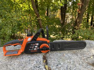 BLACK+DECKER 40V Max Cordless Chainsaw, 12-Inch (LCS1240) with the charger for Sale in Ashland, MA