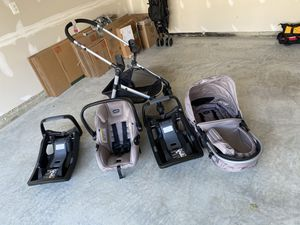 Graco Stroller with detachable infant car seat and two bases for Sale in Lorton, VA