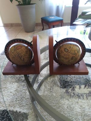 General..LOOK!! Vintage ARMBEE Old World Map Globe Bookends Spinning Globes . NICE for Sale in Lincoln Acres, CA