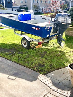 16 foot aluminum boat and trailer new 25 Yamaha for Sale in Wantagh, NY