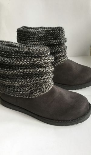 Grey Sonoma boots size 4 girls for Sale in Bellflower, CA