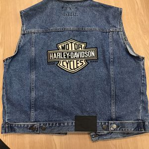Harley Davidson Sleeveless Women's Jacket Size Large Retail $199 Vintage for Sale in Austin, TX