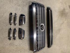 Toyota Tundra grill w/hood bulge, mirror caps, door handles. for Sale in Vallejo, CA