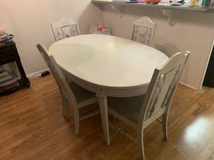 White table and chairs for Sale in Boiling Springs, SC