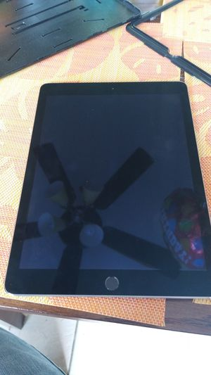 iPad air 2 unlocked for Sale in Alburtis, PA