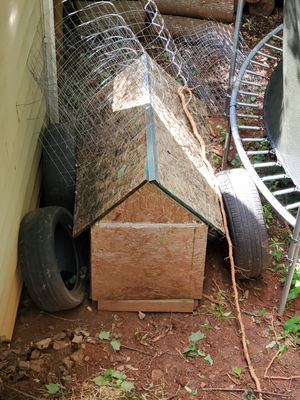 Dog house Free for Sale in Lawrenceville, GA