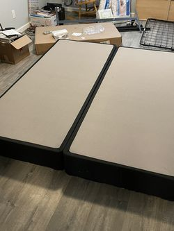 Cal king Box Spring FREE for Sale in Martinez,  CA