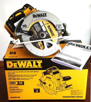 DEWALT 20 VOLT. XR BRUSHLESS CIRCULAR SAW. (TOOL-ONLY) DCS570B. NEW. NUEVO for Sale in Tucker, GA
