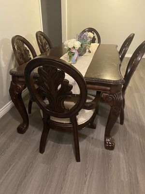 Italian style dinning table for 6 for Sale in Norwalk, CA
