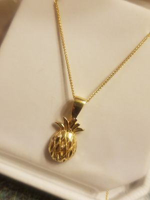 14k/10k Pineapple necklace for Sale in West Columbia, SC
