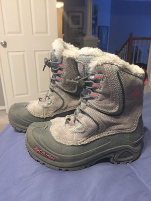 GIRLS Columbia waterproof snow boots, size 1 for Sale in Tualatin, OR