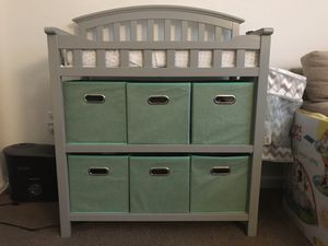 Pebble Gray Graco Changing Table for Sale in Lauderdale Lakes, FL