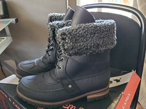 R&C. Rain Boots from Famous Footwear size 6 for Sale in Corona, CA