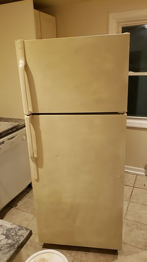 Refrigerator, gas stove and dishwasher for Sale in Wanamassa, NJ