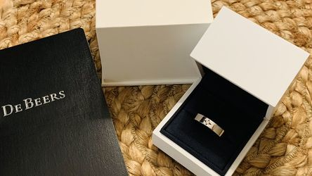 DeBeers Mens Wedding Band Radiance Solitaire Diamond 0.06ct 18k White Gold Size 9 for Sale in San Mateo,  CA