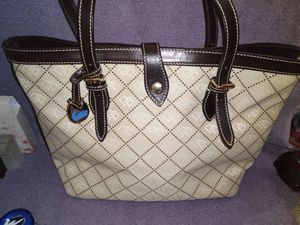 Authentic Dooney Bourke Bag for Sale in Duluth, GA