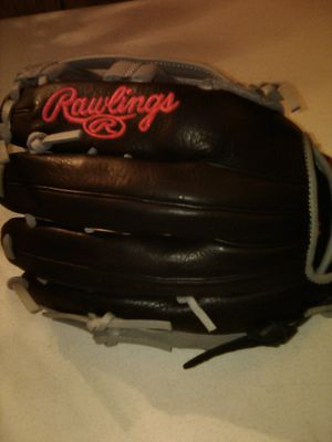Silver and Black Baseball Glove for Sale in Turlock, CA