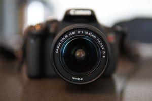 Canon EOS Rebel T3i / EOS DSLR Camera - Black w/ 18-55mm Zoom lens for Sale in Chicago, IL