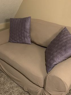 Loveseat Sofa/ With Twin Bed for Sale in Smyrna,  TN