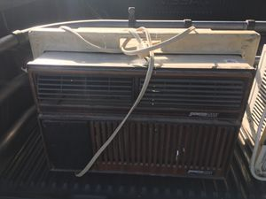 Frigidaire Signature 2000 AC Window Unit Air Conditioner Conditioning for Sale in Wormleysburg, PA