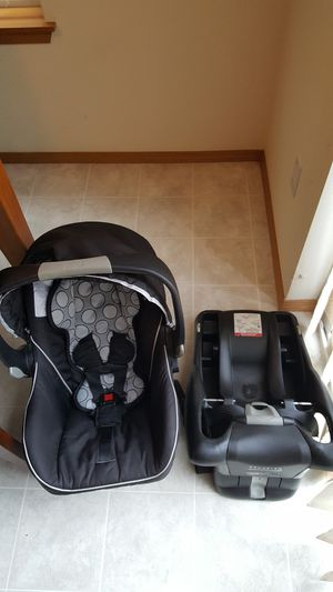 Britax car seat for Sale in Renton, WA
