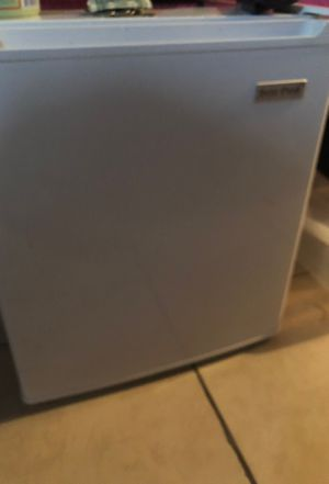 Arctic freeze mini refrigerator and microwave for sale for Sale in Lauderhill, FL