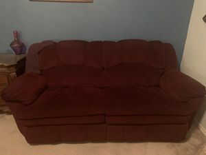Reclining couch for Sale in Grand Prairie, TX