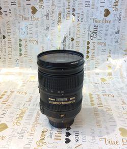 NIKON LENS: AF-S NIKKOR 28-300mm. 1:3 -5-5.6 G for Sale in New York,  NY