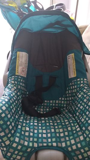 Girls car seat. for Sale in Butler, IN