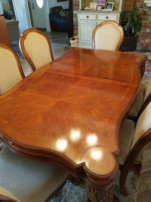 Dining Room table for Sale in La Mirada, CA