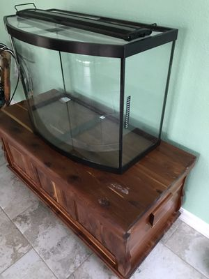 36 Gallon Bowfront Aquarium and accessories for Sale in Tarpon Springs, FL