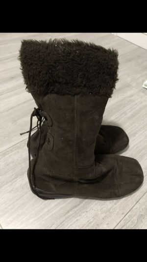Brown boots size 9 1/2 women shoes for Sale in Aventura, FL