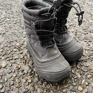 Kids North Face northface Size 11 Snow Rain Boots for Sale in West Linn, OR