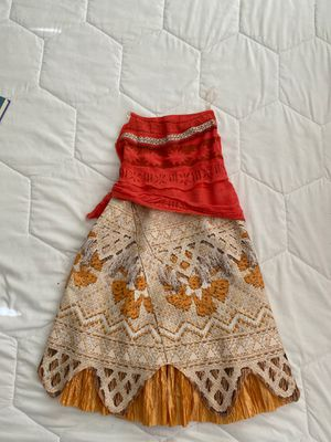 Like new Disney's Moana Costume size 4-6 for Sale in Temecula, CA