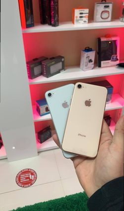 Iphone 8 64Gig 85 for Sale in Florida City,  FL