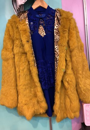 Very beautiful and luxurious real rabbit fur soft, smooth and comfortable with a hat and two pockets for Sale for sale  Queens, NY
