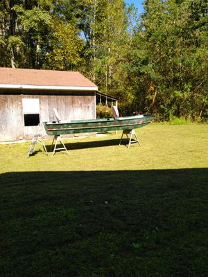 14' Ouachita Jon boat,new seats,70 something not sure for Sale in Spring Grove, VA