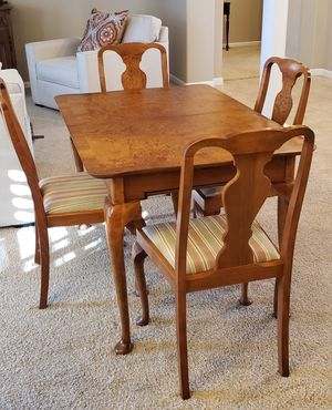 Dining room table & 4 chairs for Sale in Tracy, CA