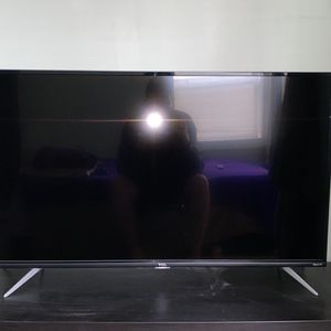 TCL 4K 43 inch Roku TV for Sale in Seattle, WA