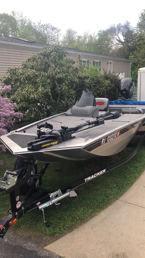 2015 bass tracker pro 170 for Sale in North Kingstown, RI