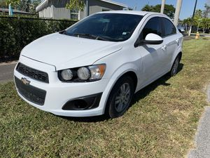 2016 chevy sonic for Sale in Miami, FL