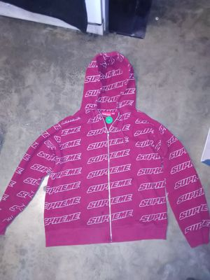 Size:XL Red Supreme Repeat Zip Up Sweatshort (Stock X Verified) for Sale in Lake Stevens, WA