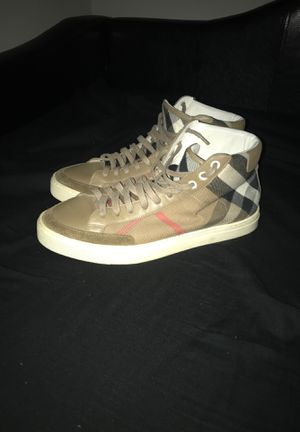 Burberry Sneakers for Sale in Pasadena, TX