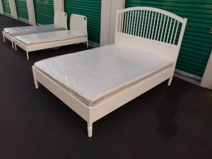 Like new Ikea queen mattress and bed frame!! Platform bed for Sale in Santa Ana, CA
