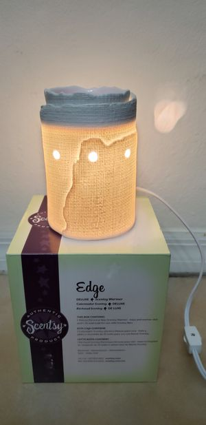 Scentsy Edge ceramic wax warmer for Sale in Miami, FL