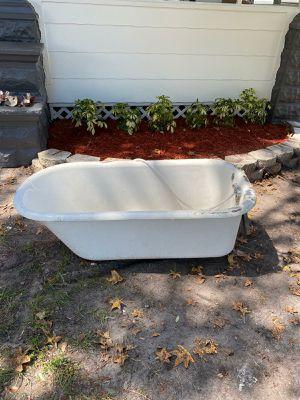 Metal Bathbut for Sale in St. Cloud, FL