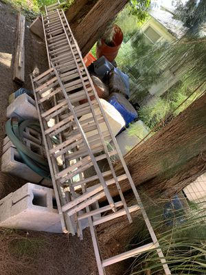 40Ft Werner Aluminum Extension Ladder for Sale in St. Petersburg, FL