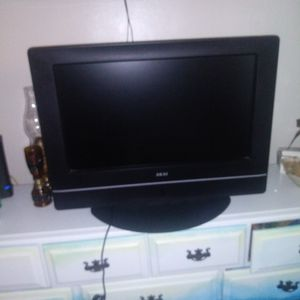 Used And Not Working Akai 27inch Tv With Built In Dvd Player for Sale in Whittier, CA