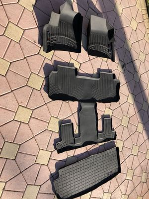 2018 Chevy traverse weather tech floor mats for Sale in Miami, FL
