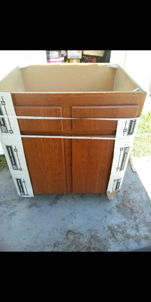 Kitchen cabinet (Royal Cabinet) for Sale in Ontario, CA